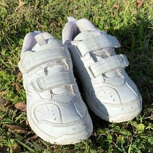 Stride Rite White Cooper Tennis Shoes